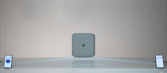 Imagen de la batería que emite la carga y dos móviles en las esquinas inferiores